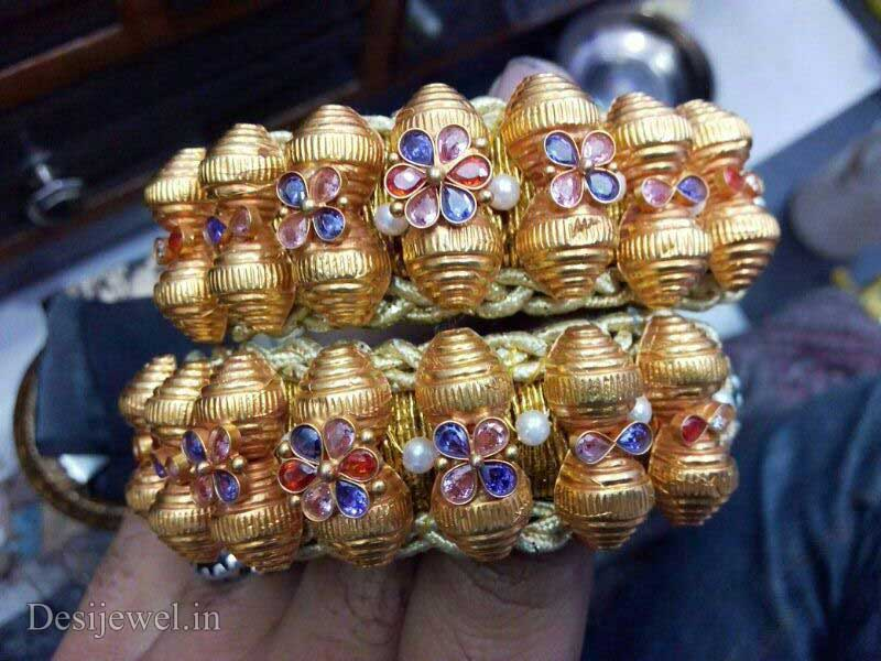 Marwadi Rajasthani Desi gold Hath-Punach And Weight is 8-9 gm