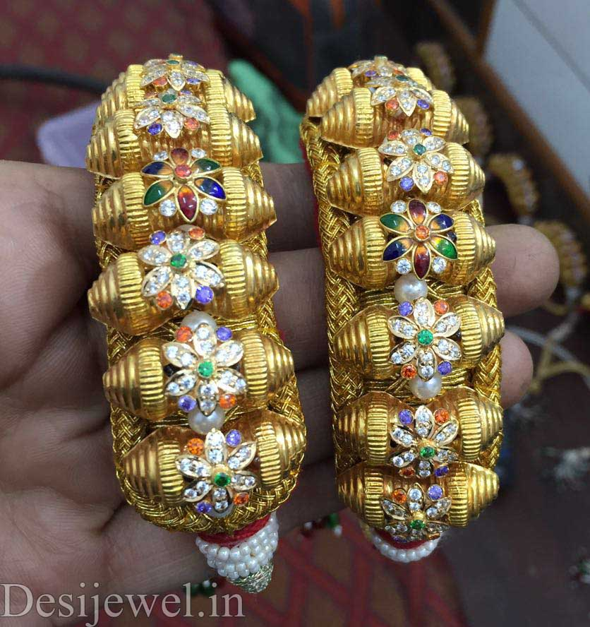 Marwadi Rajasthani Desi gold Hath-Punach And Weight is 8-10 gm