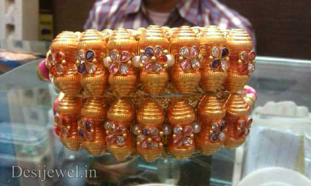 Marwadi Rajasthani Desi gold Hath-Punach And Weight is 7-8 gm
