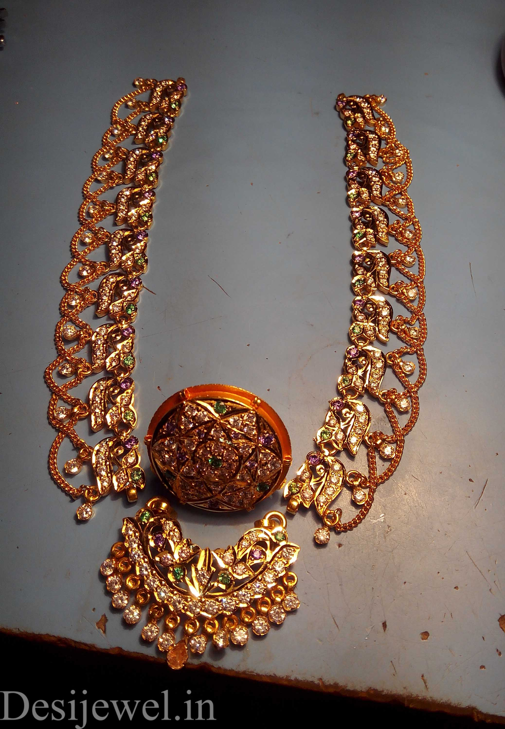 Marwadi Rajasthani Desi gold Rakhdi-Set And Weight is 33 gm
